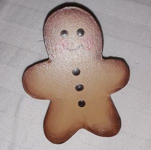 Vintage wood gingerbread man pin